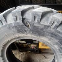 Ремонт колёса спецтехники #шиномонтаж #выезднойшиномонтаж #ремонтколес #вулканизация #montagkoles