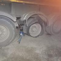 Замена колеса на тонаре 22.5 #шиномонтаж #грузовойшиномонтаж #выезднойшиномонтаж
