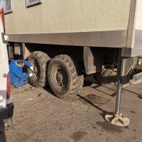 Замена резины Камаз вездеход #шиномонтаж #выезднойшиномонтаж #грузовойшиномонтаж