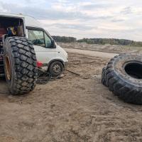 Небольшой ремонт больших колёс! #шиномонтаж #грузовойшиномонтаж #шиномонтажспецтехники #заменаколес #выезднойшиномонтаж